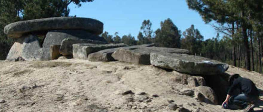 ancient-tomb-used-as-telescope-dolmen-Orca-archaeform-01-web